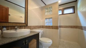 Yet another nice bathroom