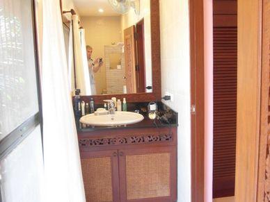 Another bathroom at this charming Thai Bali inner city pool-villa Jomtien