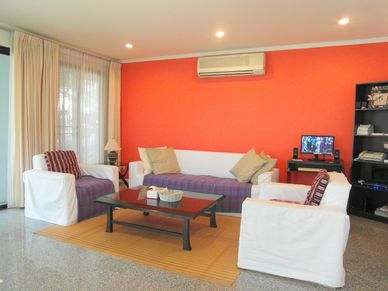 Another perspective of the lounge of this 3-bedroom home at Jomtien Yacht Club