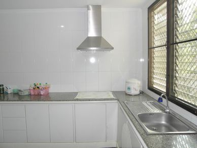 Another view of the kitchen of this 3-bedroom home at Jomtien Yacht Club