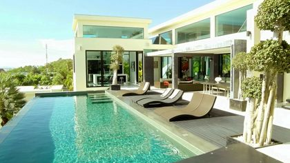 Pool and main living-area of this high end residence above Pattaya