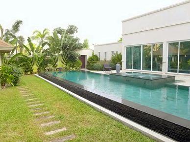 The generous pool and walkways